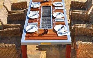 Стол с мангалом: какие варианты бывают, в чем преимущества таких столиков, из чего сделать самому?
