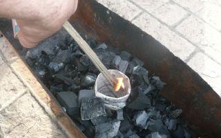Как разжечь угли в мангале?